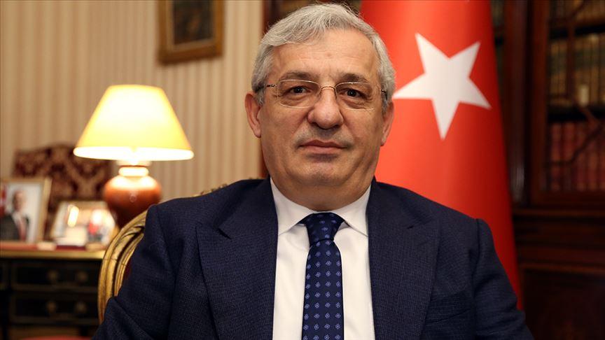 سفير تركيا بفرنسا يتمنى الشفاء العاجل لمصور الأناضول