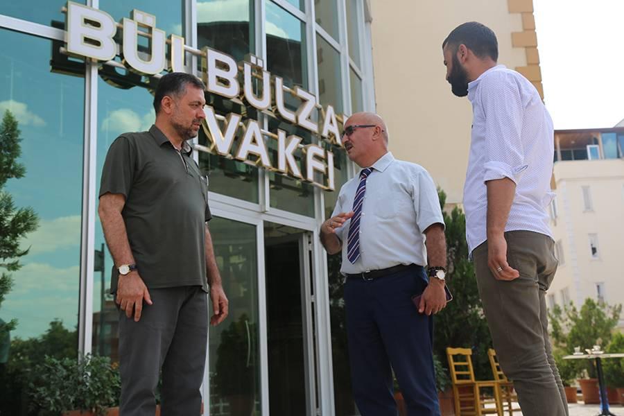 """مدير """"آفاد"""" الإقليمي  يزور مؤسسة وقف بلبل زادة"""