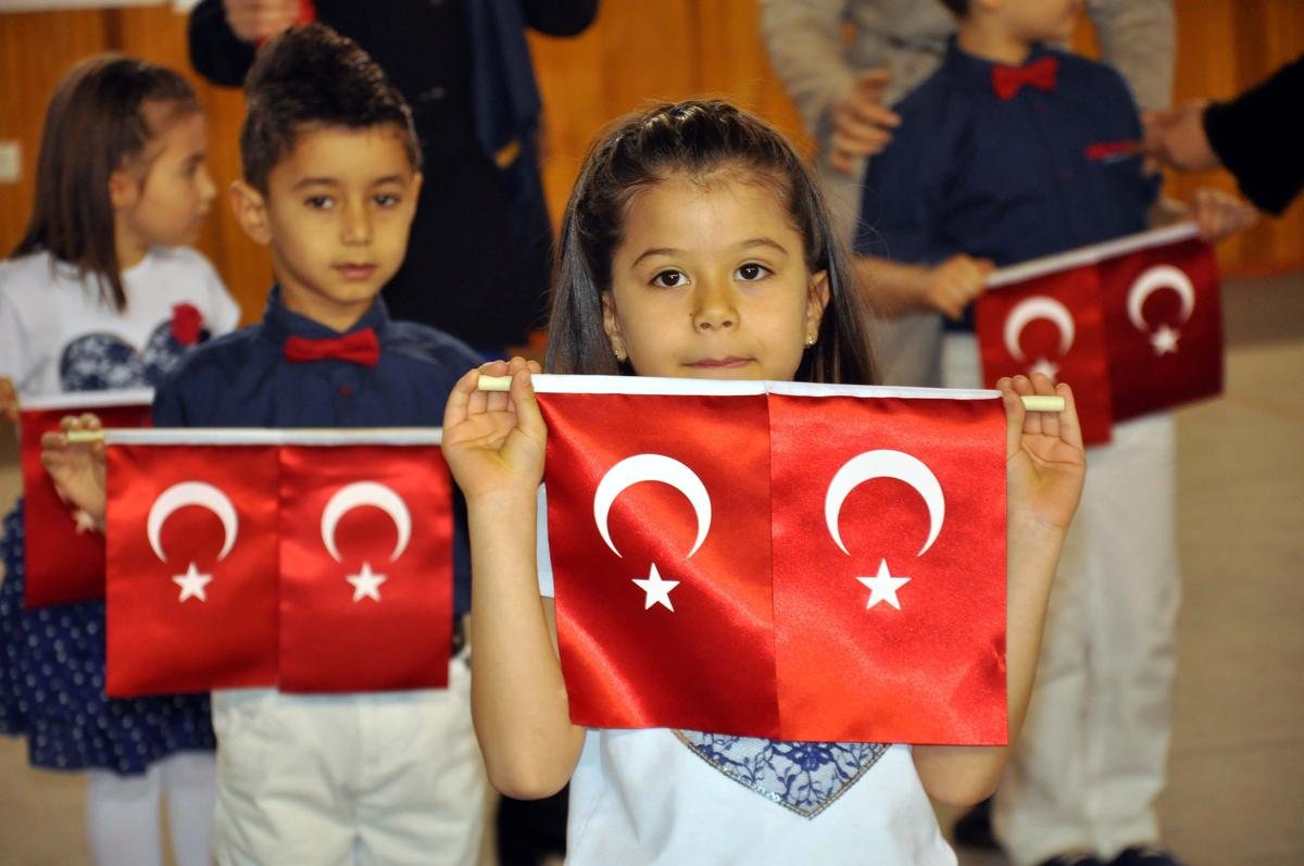 تركيا تحتفل بعيد الطفل العالمي