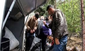 """"""" رايتس ووتش"""" تدين طرد سوريين من بلدات لبنانية وتحذر: آلاف اللاجئين يواجهون الخطر ذاته"""