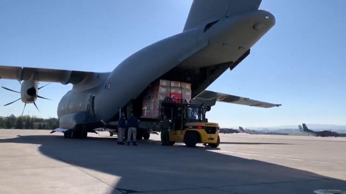 طائرة ملكية بريطانية تحط في إسطنبول لنقل مساعدات طبية تركية